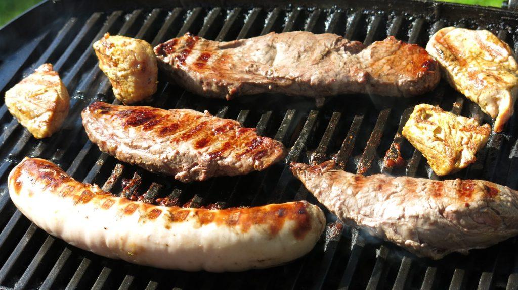 בשר על רשת גריל